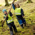Förskolebarn i skogen