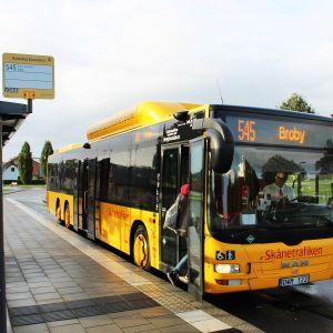 Bild på buss som kör linjen 545.