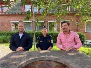 Bild på David Lundin, säkerhetssamordnare, Veronica Gustafsson, kommunpolis, och Patric Åberg (M), kommunstyrelsens ordförande.